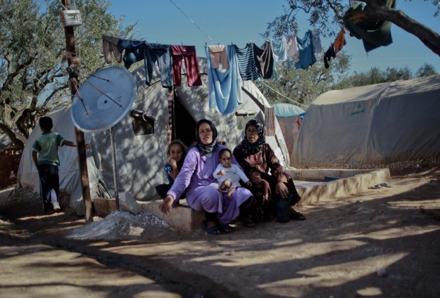 Refugees suffer in 'misery camps' in Syria
