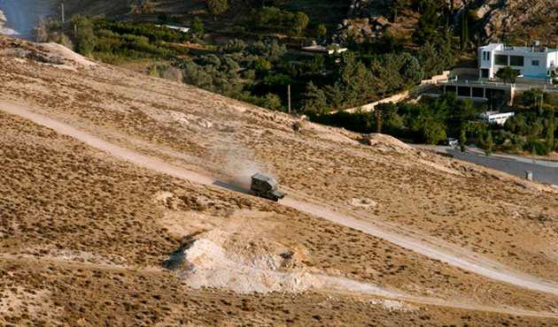 Five Lebanese soldiers killed in clashes near border with Syria