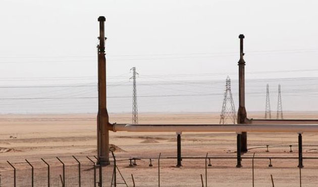 ISIS-linked groups inch closer to Libya's largest oil port