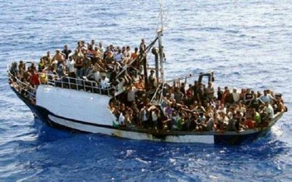 Dozens of Syrian and Iraqi migrants rescued off Romanian coast