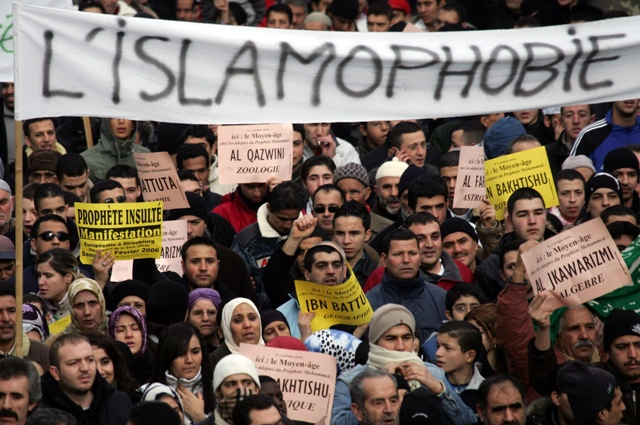 France plans broader dialogue with its large Muslim minority