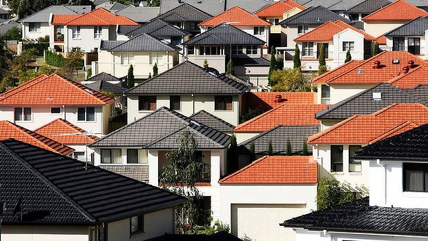Australia probes illegal foreign home buyers