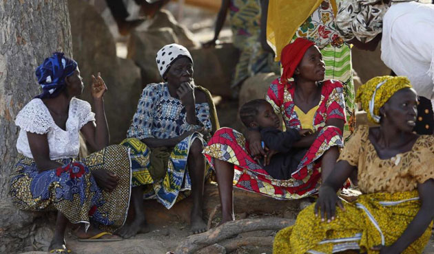 Thousands of Nigerians defect to Cameroon