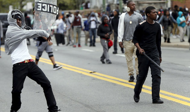 Violence erupts in Baltimore after Freddie Gray funeral