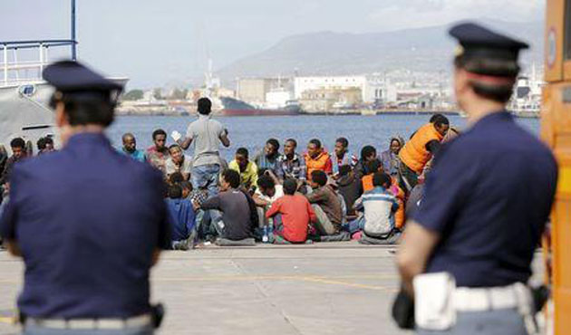 EU plans military mission to migrant boats in Libya