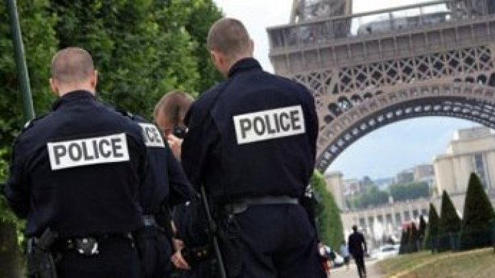 French police question delivery man suspected in beheading