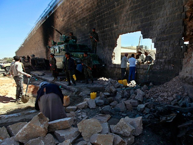 HRW urges coalition to stop using cluster bombs in Yemen
