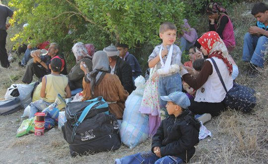 Russian airstrikes displace Turkmen in Syria