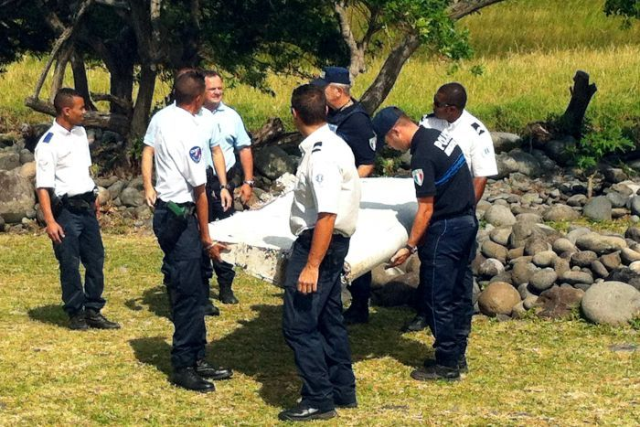 Malaysia PM confirms debris from flight MH370