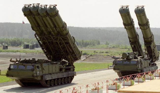 Iran plans to sign contract for Russian S-300 missiles next week