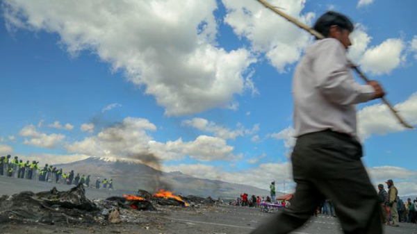 Ecuador indigenous protesters release soldiers