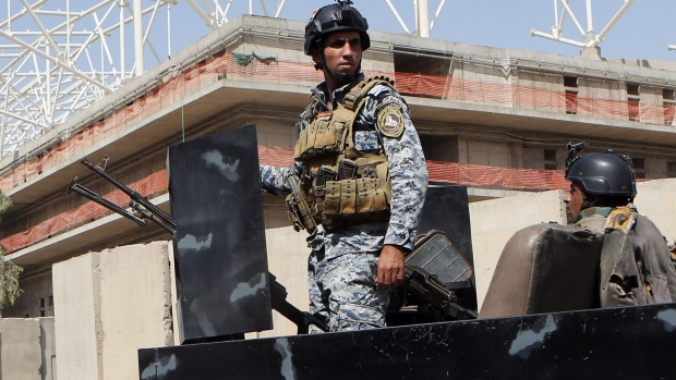 ISIL suicide attackers storm army base in Iraq