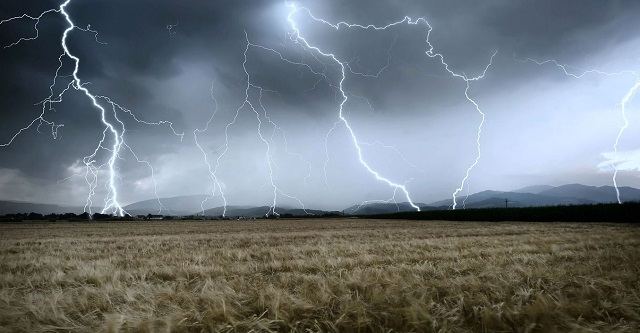 Storms, lightning kill at least 47 in India