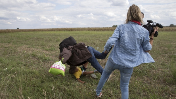 Refugee-tripping camerawoman to sue Facebook, move to Russia