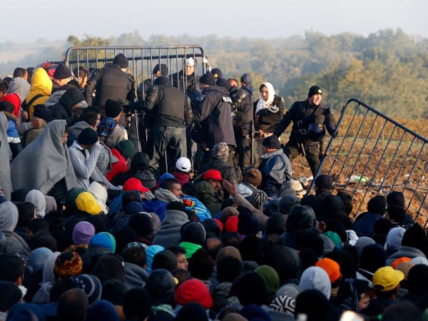EU, African leaders gather in Malta amid refugee crisis