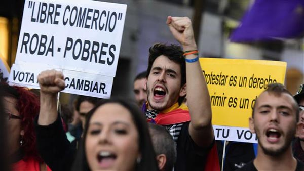 Spaniards protest against austerity policies
