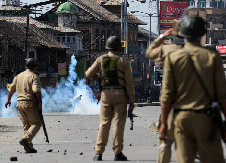 Deadly clashes in Kashmir after India PM visit