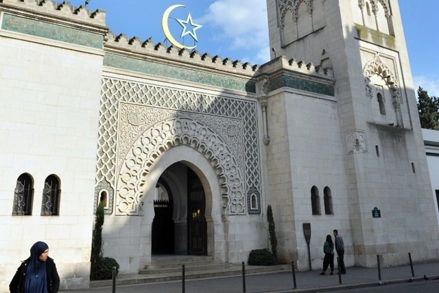 Mosques in France urged to pray for Paris victims