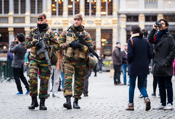 Brussels extends terror alert,US issues travel warning