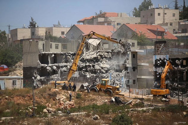 Israel demolishes Palestinian structures in West Bank