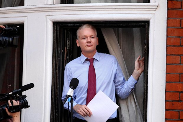 The world is watching, Assange tells Catalans via video link