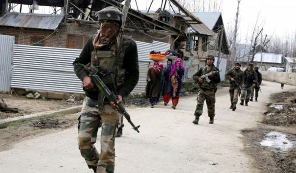 Police kill two suspected in Kashmir