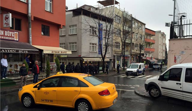 Grenades thrown at Istanbul police station