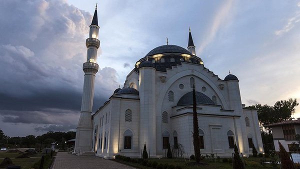 Classic Ottoman design featured in US largest mosque