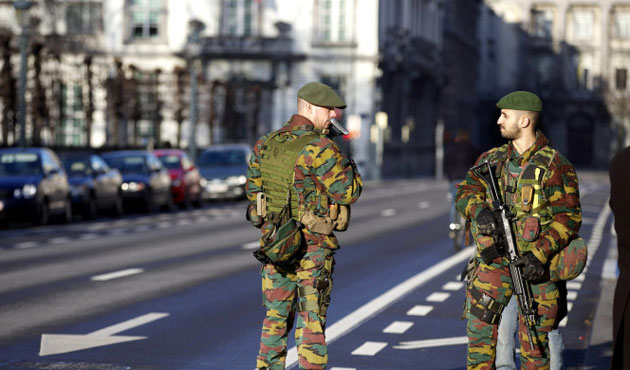 Man reportedly carrying explosives shot in Brussels