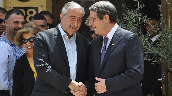 UN, Cypriot leaders commit to peace conference