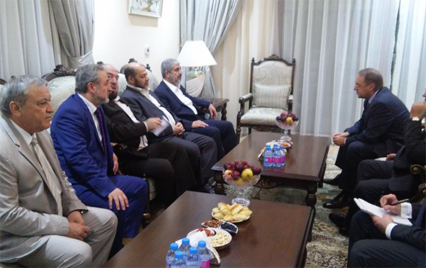 Hamas' Meshaal meets with Russian Foreign Minister