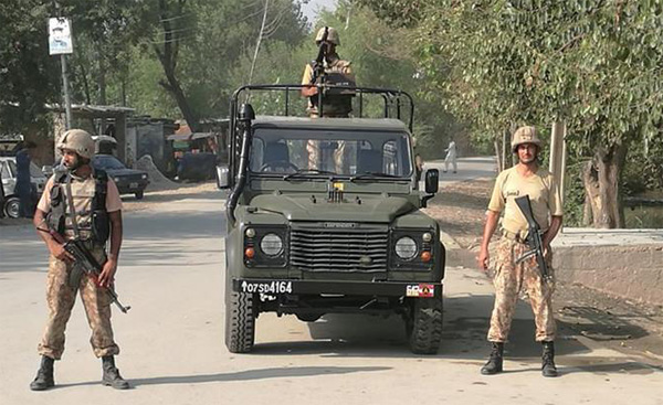 Pakistan army kills suicide bombers at Christian colony