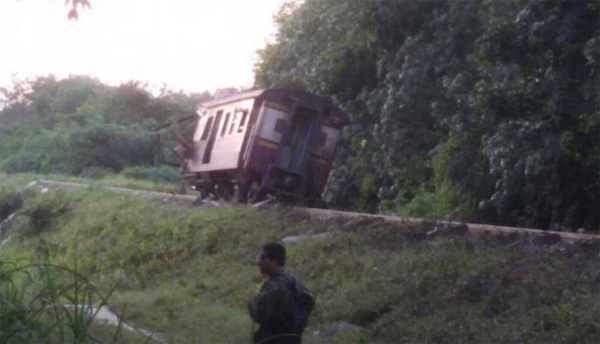 Bomb blast on train kills 1 in Thai Muslim south