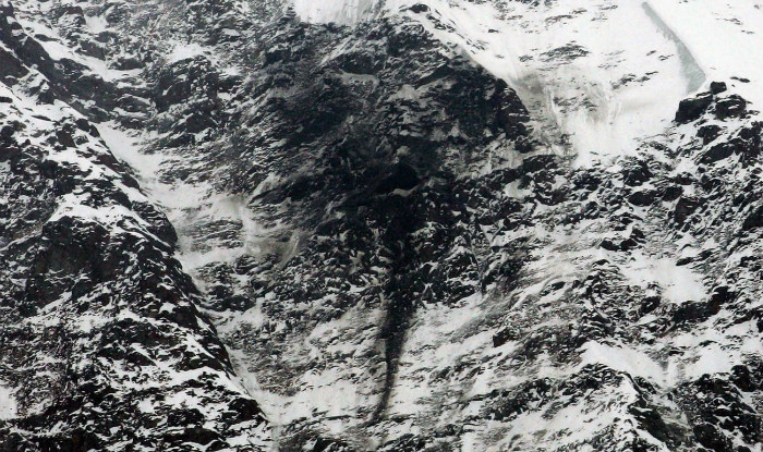 Swiss army helicopter crashes in Alps