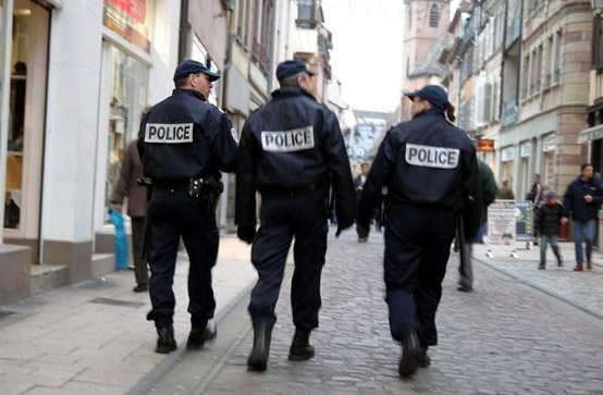 France boosts security at markets after Berlin attack