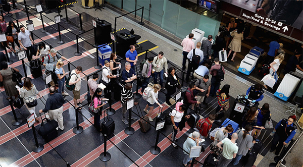 US Customs computer collapse strands thousands