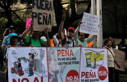 Looting erupts amid Mexico gas price protests