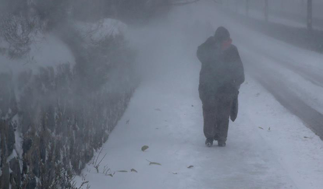 Extreme winter conditions with 40cm snow in Istanbul