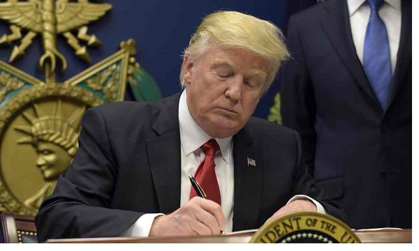 Trump signs executive order on apprenticeships