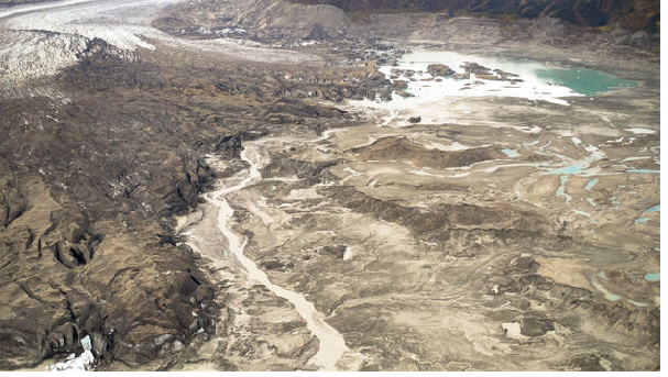 Climate change forces Canadian river to change course