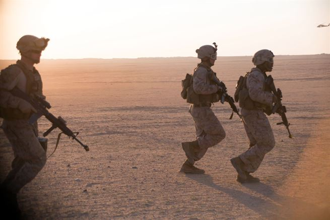 Kuwait conducts joint military exercises with US army