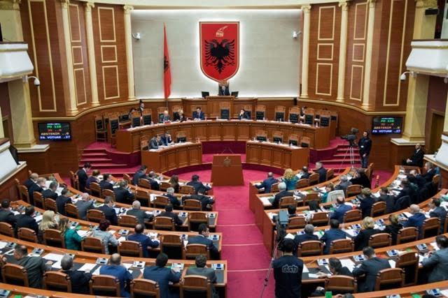 Albanian Parliament approved the new GOV cabinet