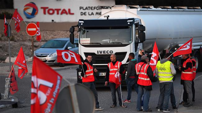 French truck drivers protest labor reform