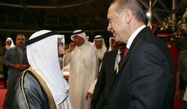 Erdogan meets Kuwaiti Emir to discuss regional issues