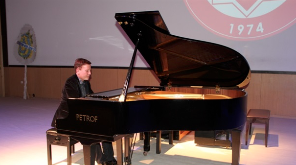 French pianist gives concert for Palestine in Turkey