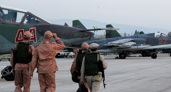 2 Russian pilots killed in attack on Syria base