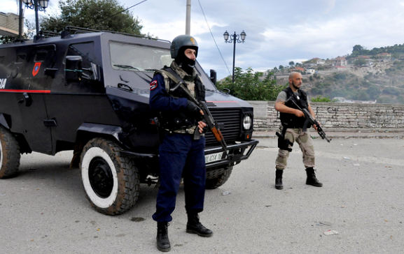 Explosion injures 8 in northern Albania