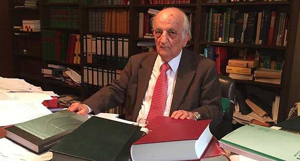 Famous Turkish historian Fuat Sezgin dies at age 95