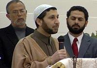 Israel's Shin Bit holding top imam deported by U.S.