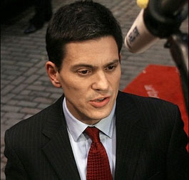 Britain recognizes Kosovo, Miliband says